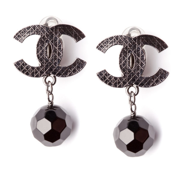 Black Pearl earrings Chanel
