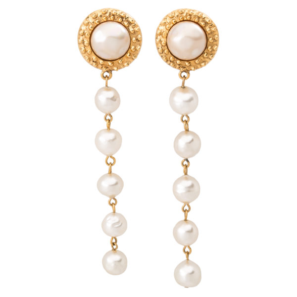 Vintage long rope pearl earrings Chanel