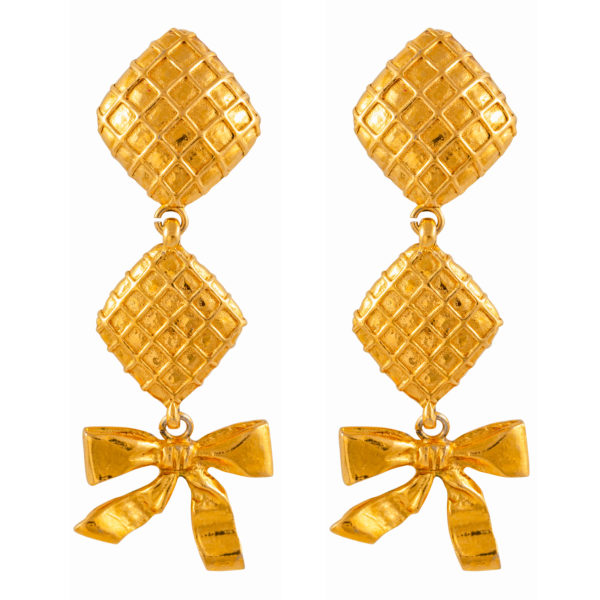 Vintage Rhombus & Ribbon Bow earrings Chanel