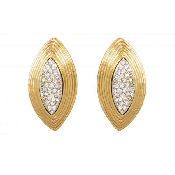 Vintage gold oval earrings