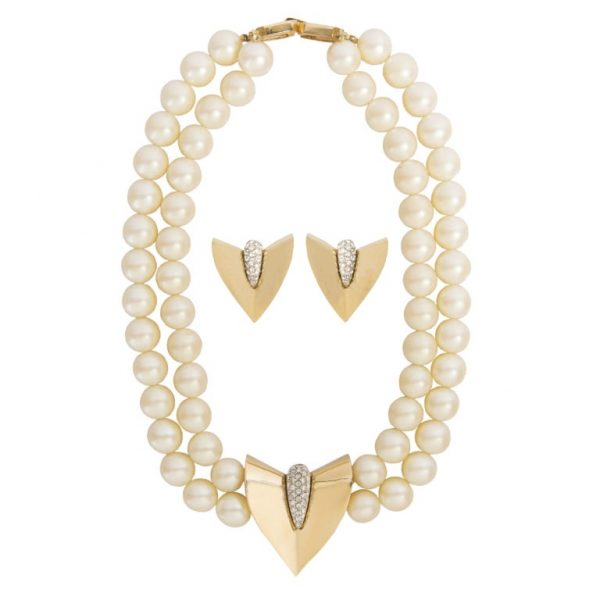 Vintage arrow shape pearl set
