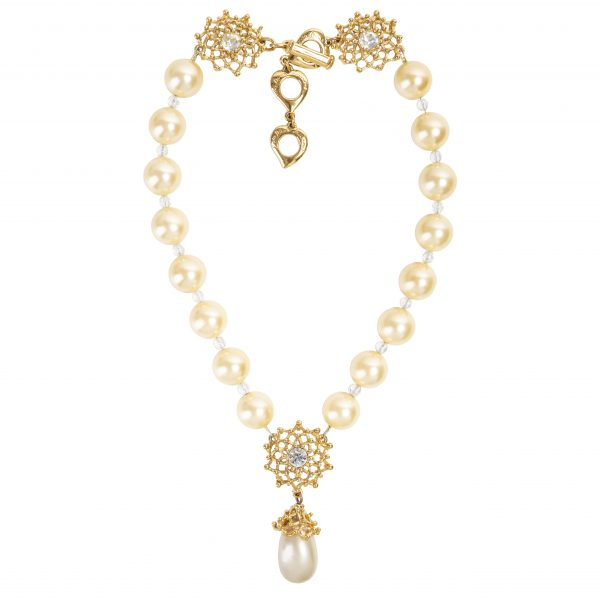 Vintage gold flower pearl necklace