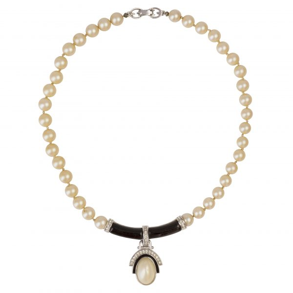 Vintage onyx art deco pearl necklace