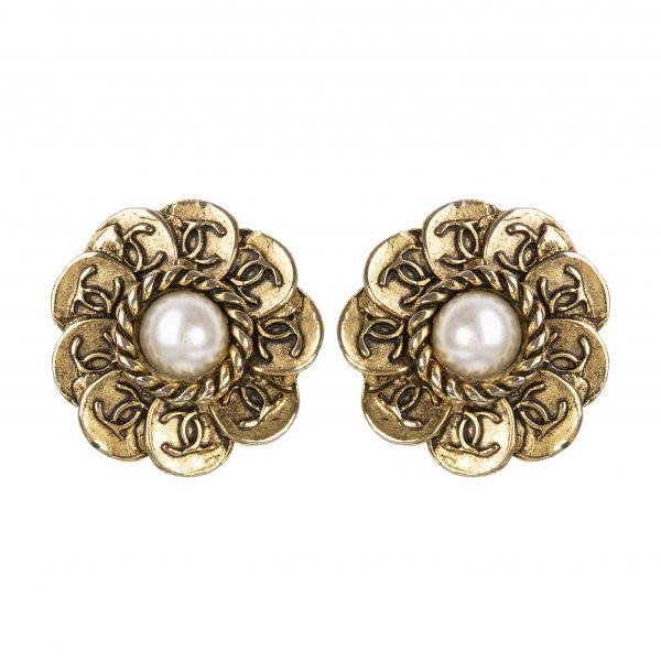 Vintage gold flower earrings with pearls